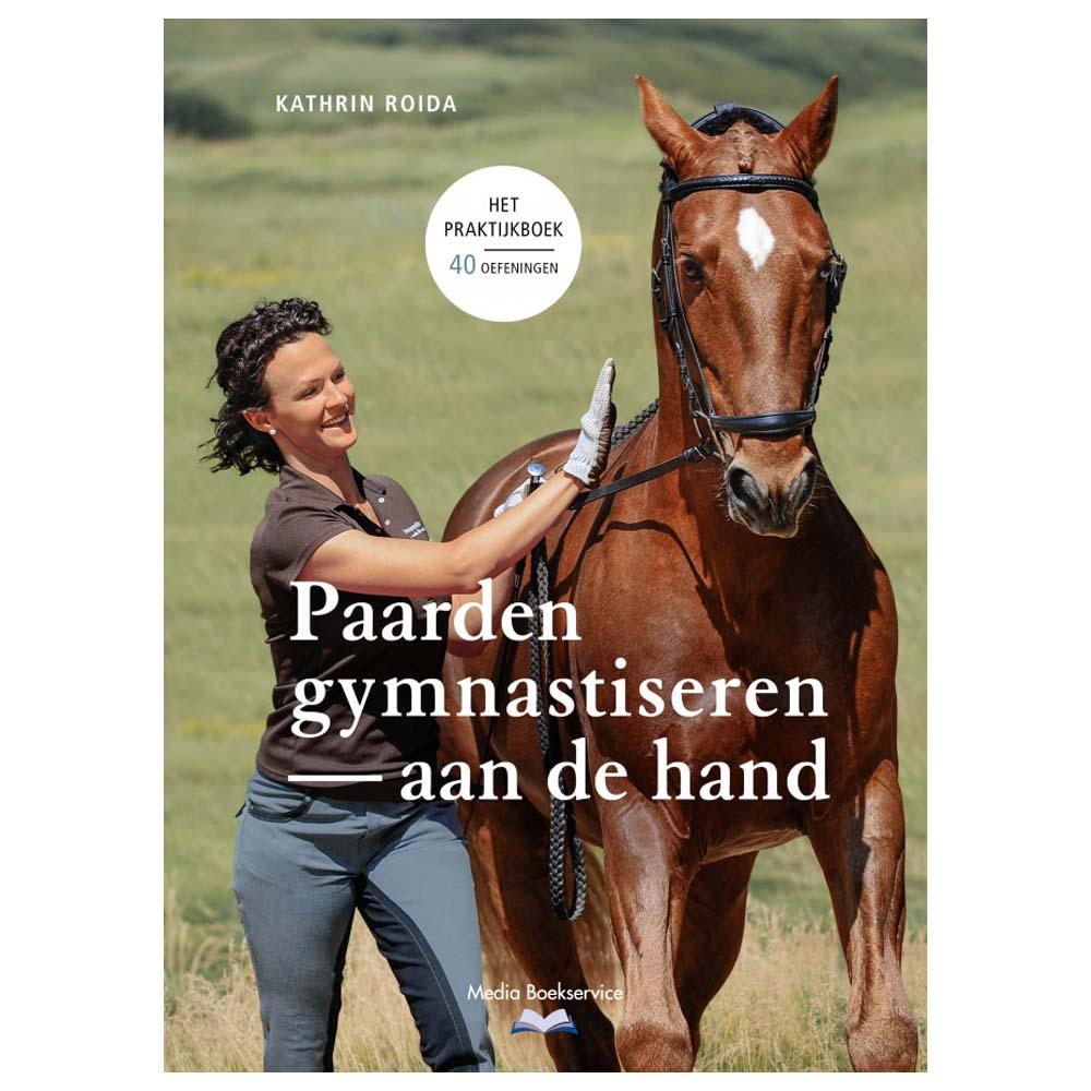 Paarden gymnastiseren aan de hand