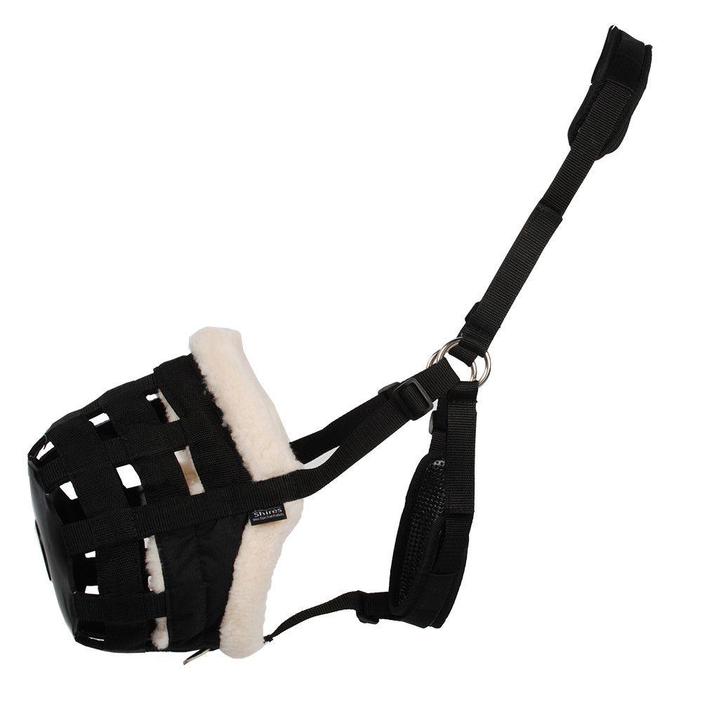 Shires Deluxe graasmasker zwart maat:pony